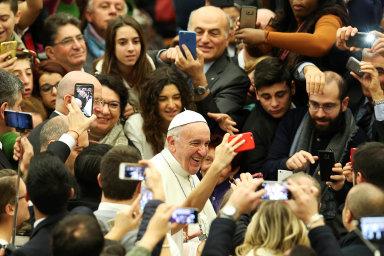 Film Dva papežové pojal současného Svatého otce jako liberála. Od konzervativního předchůdce se přitom tolik neliší