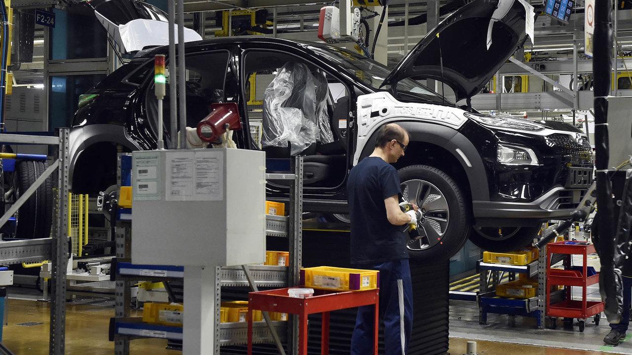 Automobilka Hyundai v Nošovicích zahájila minulý týden sériovou výrobu vozu Kona Electric, prvního automobilu naelektrický pohon vyráběného vČesku. Nyní zvažuje, že výrobu dočasně pozastaví.