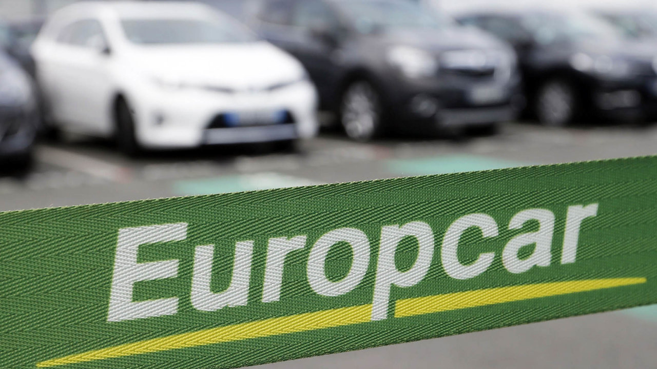 Autopůjčovny vpotížích. Útlum turismu odnáší ipůjčovny aut. Problémy má česká pobočka Europcaru icelosvětový gigant Hertz.