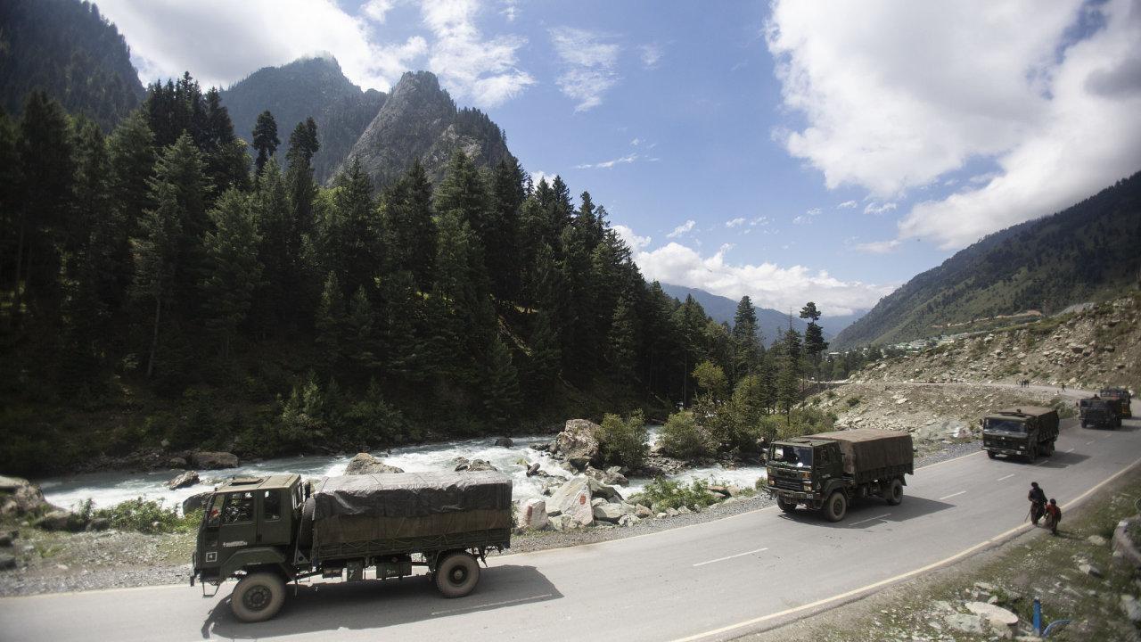 Ještě na začátku září Indie přesouvala své jednotky blíže sporné hranici v himalájském Ladákhu.