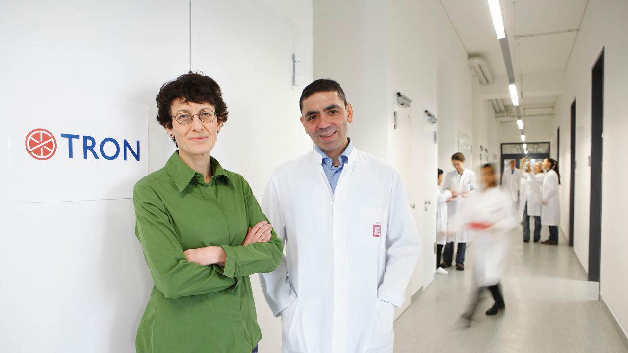 Nad covidem zvítězíme. Manželský pár se odletošního ledna věnuje výhradně vývoji vakcíny proti covidu.