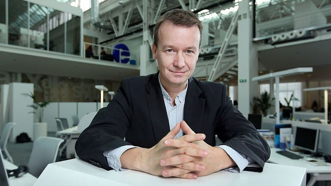 Petr Honzejk, komentátor Hospodářských novin