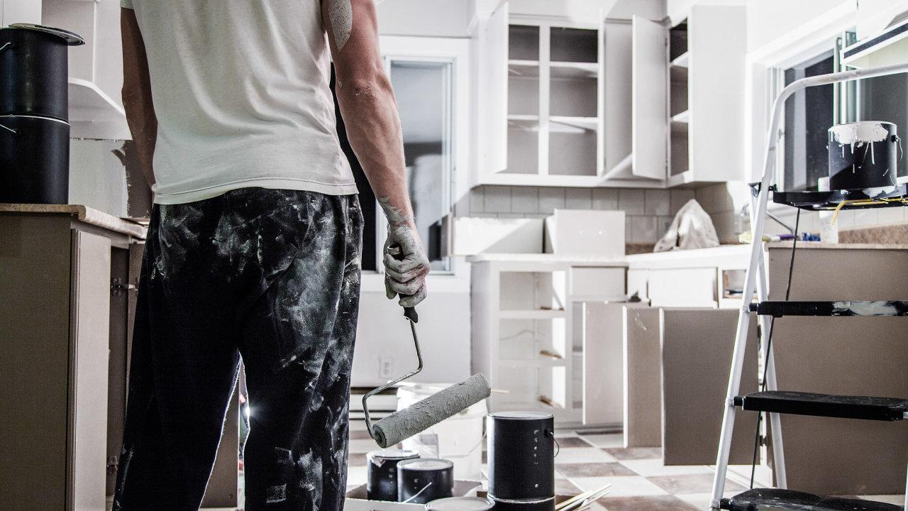 Poptávka po řemeslnících letos meziročně narostla o pětinu.