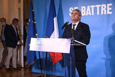 Uspěl na chudém severu Francie. Teď hodlá republikán Bertrand porazit Macrona i Le Penovou