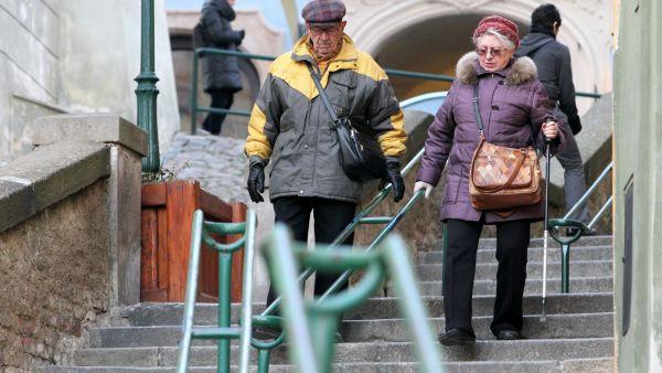 Lidé chtějí odejít dřív na odpočinek a přitom si nekrátit starobní důchod jako v předčasném důchodu.
