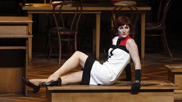 Německá pěvkyně Angela Denoke už Emilii Marty ztvárnila kromě festivalu v Salzburku (na snímku) také v milánské La Scale a na dalších světových scénách