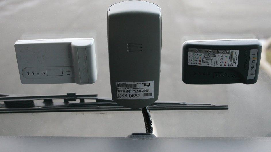 Mýto, palubní jednotka v automobilu