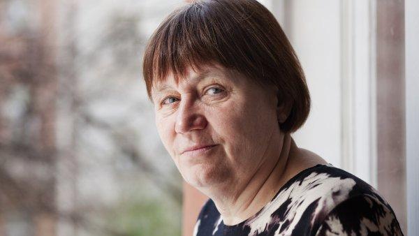 Anna �abatov� ��dala zm�nu �koln�ho ��du kv�li d�vk�m, kter� p�ed rokem a p�l musely kv�li z�kazu nosit hid��b opustit zdravotnickou �kolu - Ilustra�n� foto.
