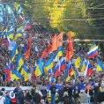 Proti zapojen� Ruska v ukrajinsk�m konfliktu demonstrovaly v Moskv� tis�ce lid�