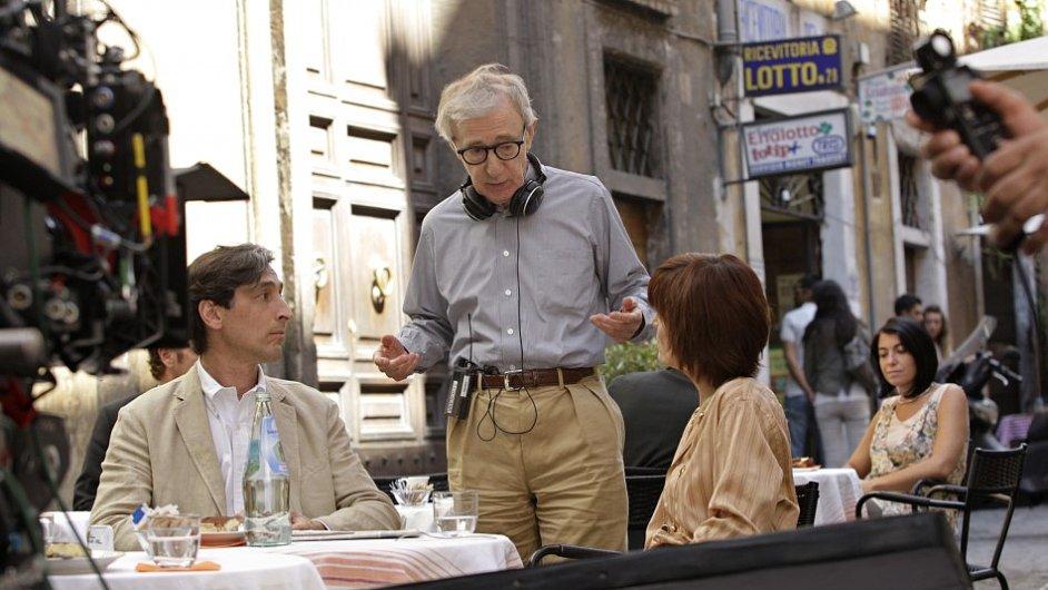 Z natáčení filmu Woodyho Allena Nero Fiddled v červenci 2011