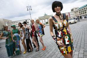 Berlín: Pištící metro, currybuřt, pivo říznuté malinovkou, box i Turci