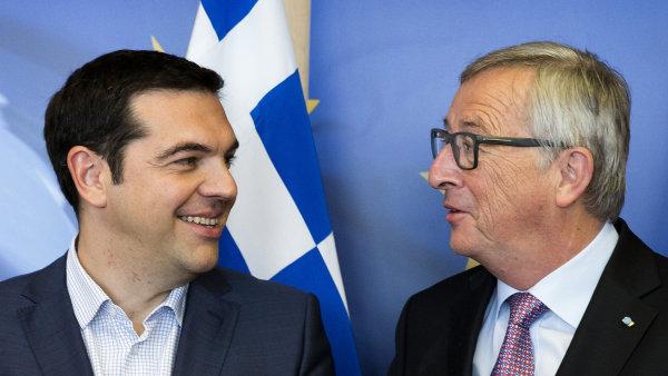 "�ekov� zvol�, zda poh�b� euro. Juncker je zve k nov�mu jedn�n�, Tsipras rad� ""odm�tnout b��m�"""