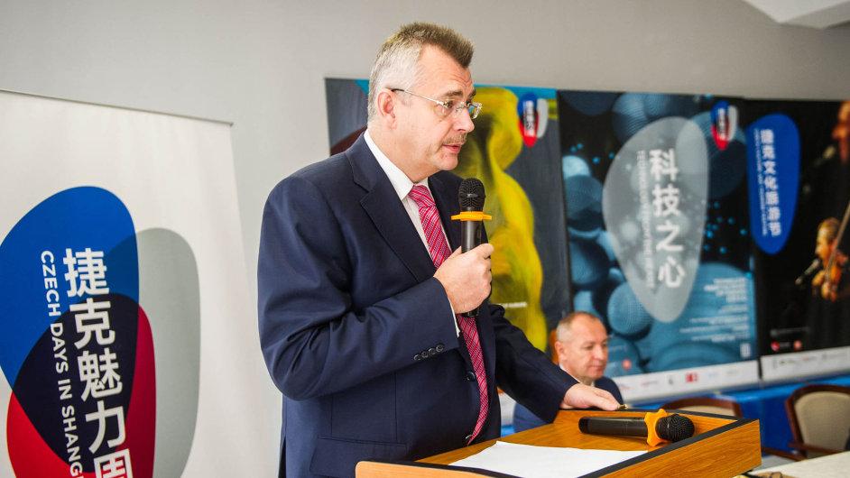 Životní úspěch: Z ČSA odešel Jaroslav Tvrdík s ostudou, teď jako lobbista v Číně slaví miliardové úspěchy.