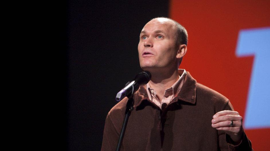 Spisovatel Anthony Doerr za svůj román Jsou světla, která nevidíme letos získal Pulitzerovu cenu.