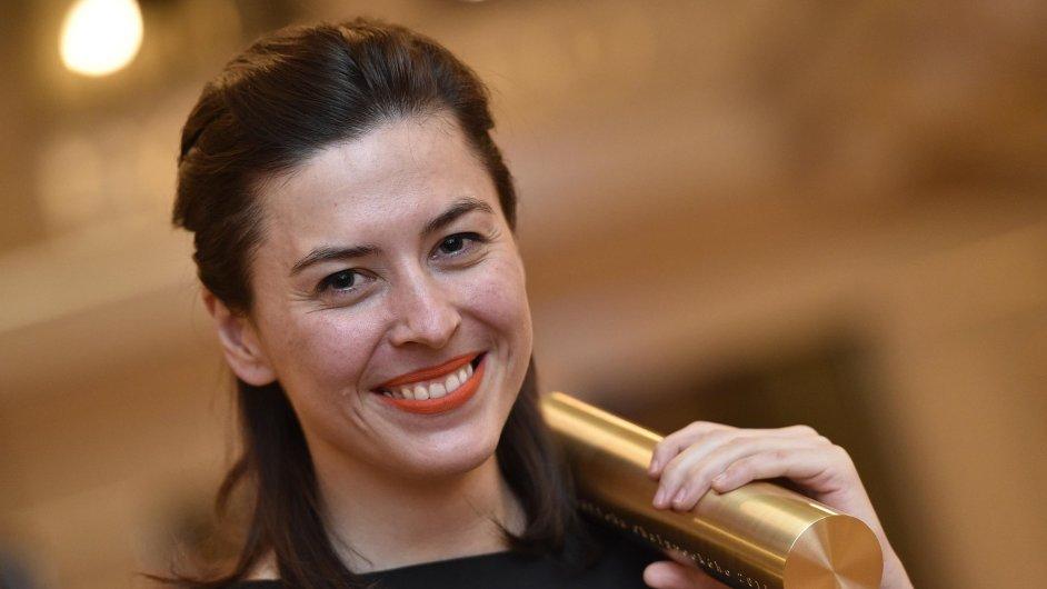 Barbora Kleinhamplová převzala 20. listopadu v Brně Cenu Jindřicha Chalupeckého 2015.