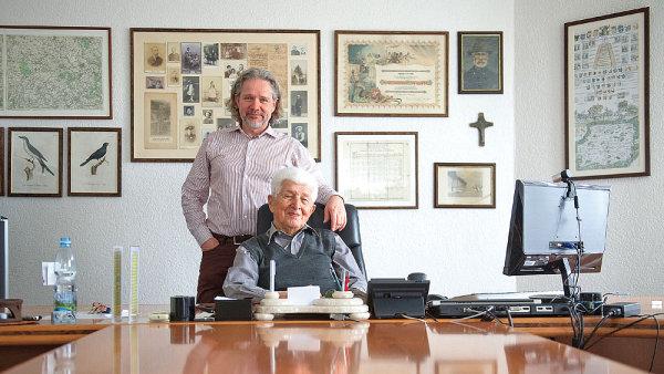 """""""On byl hnací motor našeho podnikání, je ještě aktivnější, než jsem já,"""" říká o svém synovi Martinovi (vlevo) Miroslav Hrdlička."""