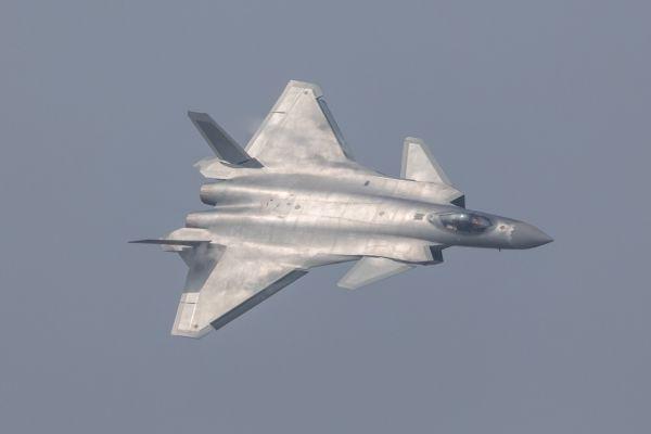 Čínská neviditelná stíhačka J-20