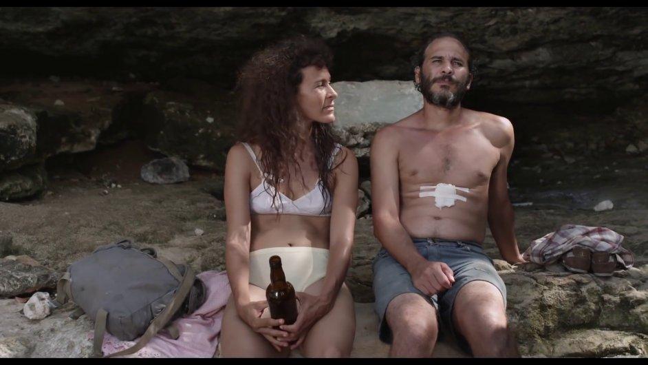 Autorem snímku Santa et Andres je třiatřicetiletý režisér Carlos Lechuga.