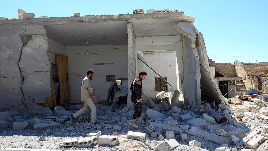 GGGSYR04 MIDEAST CRISIS SYRIA ATTACK 0405 11
