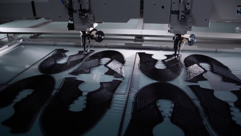 Revoluce_v_odevnim_prumyslu_Adidas_zacal_vyrabet_tenisky_3D_tiskarnou.png