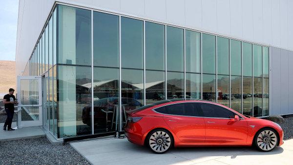 Prototyp nového vozu Tesla Model 3.