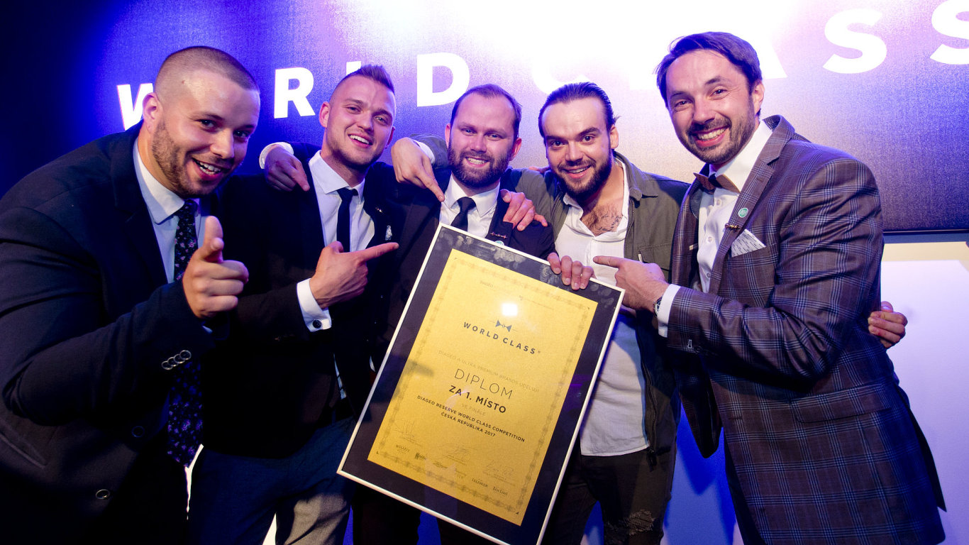 Pětice finalistů Diageo Reserve World Class Bartender of the Year 2017.