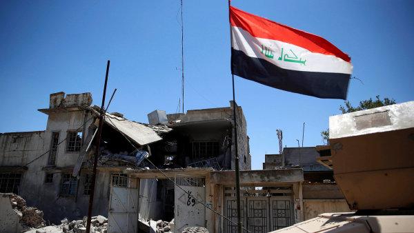 Operaci s cílem dobýt Mosul z rukou islamistů zahájila irácká armáda na podzim loňského roku.