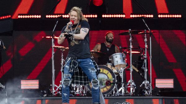 Charismatický zpěvák Axl Rose se do Letňan vrátil po roce, kdy zde zazpíval jako člen AC/DC.