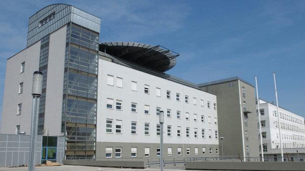 Ne všechny resorty jsou ochotny další výdaje pro Restart vyčlenit. Například ministerstvo zdravotnictví odmítlo zaplatit dostavbu Masarykovy nemocnice v Ústí nad Labem.