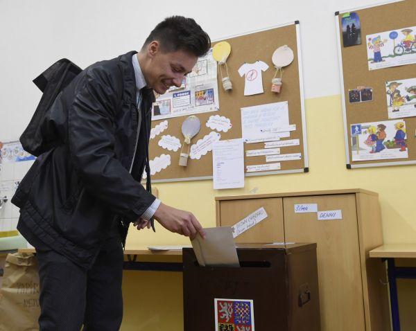 Šéf Strany zelených Matěj Stropnický očekává, že jeho strana překročí pětiprocentní hranici a vrátí se do Poslanecké sněmovny.