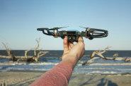 Dosavadní legislativa o využívání dronů je podle výrobců přísná.