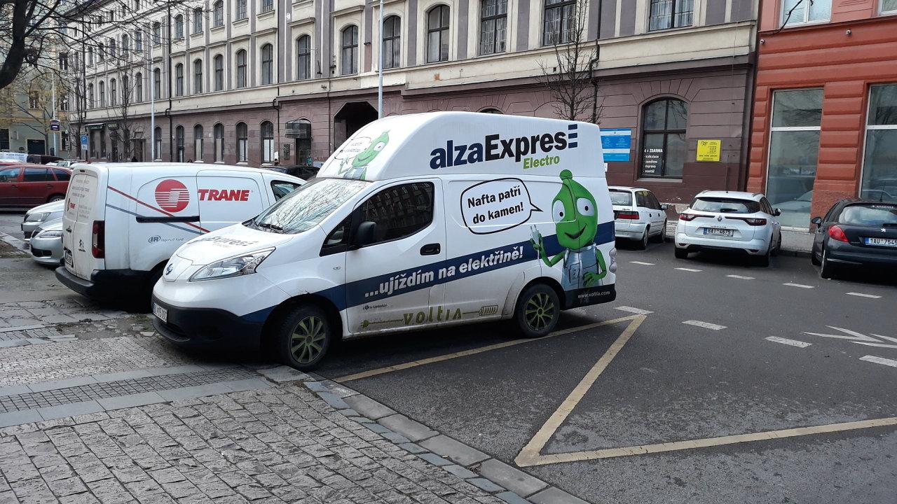 Alza spouští doručení bez zákazníka