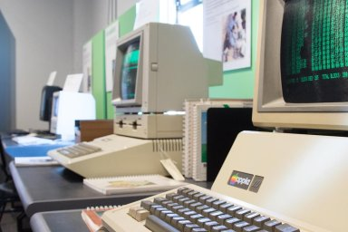 Na návštěvě v muzeu Living Computers: Takhle vypadá domov důchodců pro hodné počítače