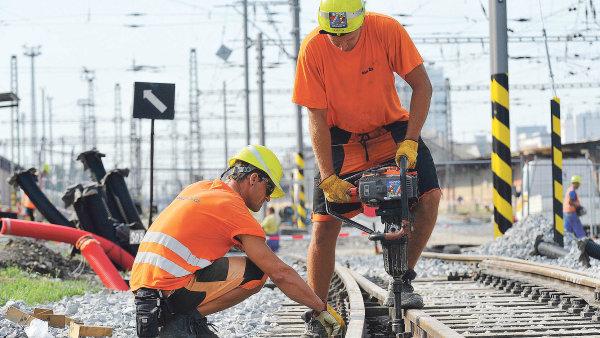 Doprava a věda: Peníze z eurofondů využívá Česko nejčastěji na dopravní stavby nebo podporu vědeckého výzkumu.