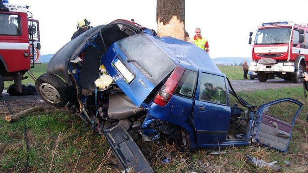 Vláda chce řidičák na zkoušku. Začínající šoféři jsou riziko, zaviní nejvíce nehod, říká psycholožka.