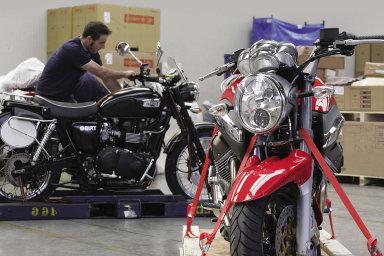 Kolébky pro přepravu motocyklů.
