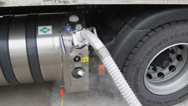 Společnost ESA na konci loňského roku zkoušela tahač od Scanie na LNG a během ledna má zapůjčené ještě Iveco.