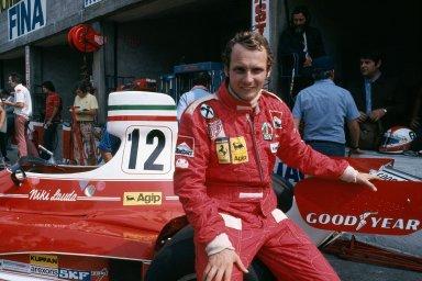 Niki Lauda: trojnásobný mistr světa, který přežil požár své formule na Nürburgringu a věnoval se létání