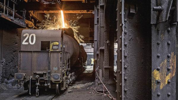 Technologický vůz veronika bez potíží vydrží teplotu až 1300stupňů Celsia. Tekuté železo zvysoké pece se doněj musí nalévat žhavé acestou doocelárny nesmí vychladnout.