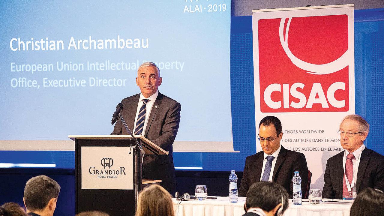 DoPrahy se po93letech vrátil světový kongres oautorském právu ALAI. Zahájil ho výkonný ředitel Úřadu Evropské unie pro duševní vlastnictví Christian Archambeau.
