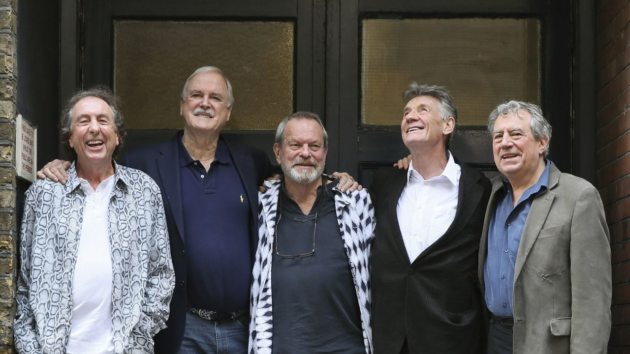Staří známí a od úterý opět vtipní Monty Python: (zleva) Eric Idle, John Cleese, Terry Gilliam, Michael Palin a Terry Jones