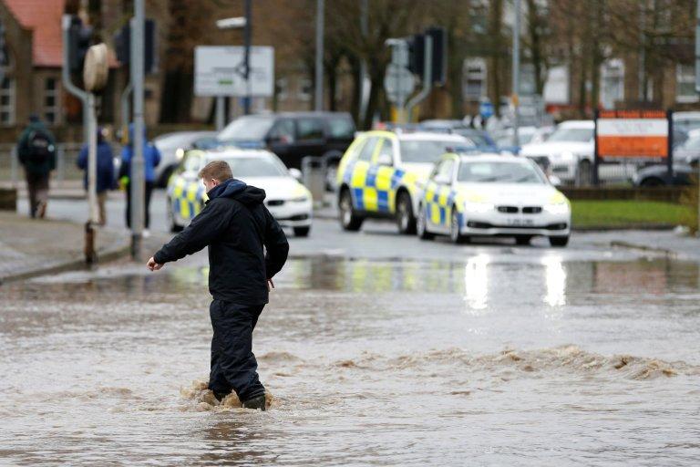 Bouře, Orkán, Ciara, Velká Británie, povodně