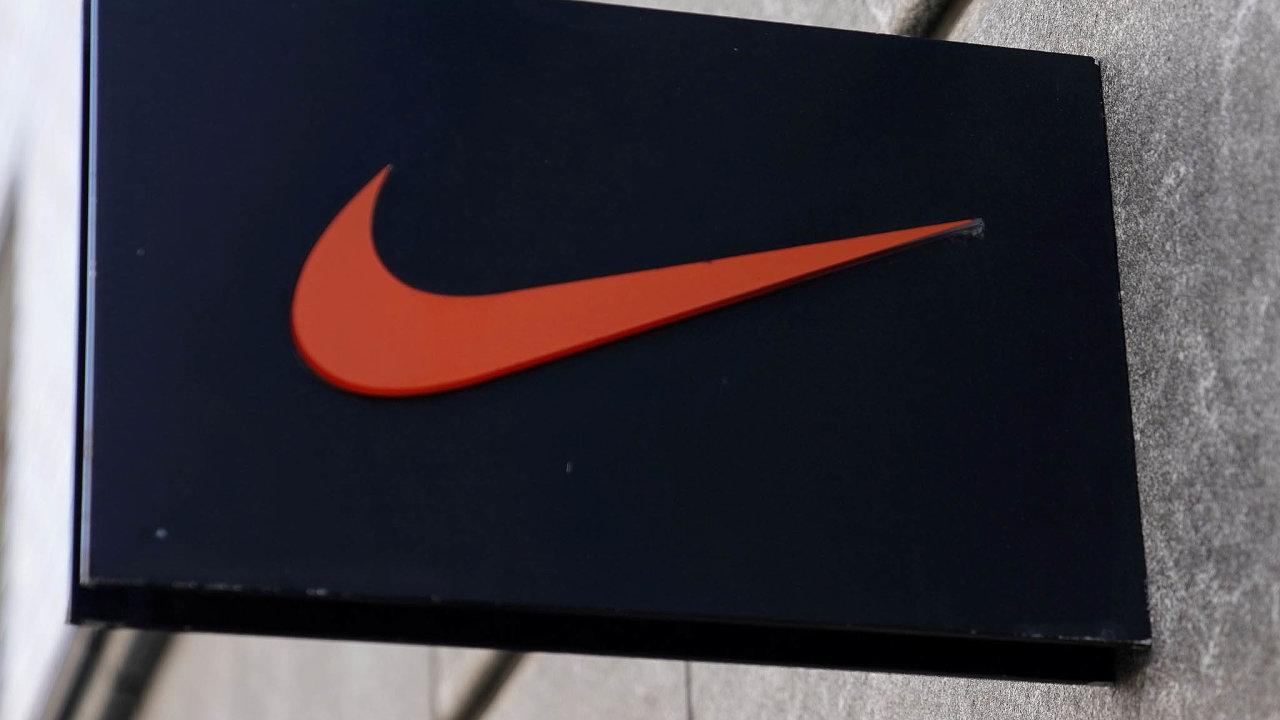 Obavy investorů se projevují také na akciích společnosti Nike, jejichž kurz je nyní ovíce než třetinu nižší než nazačátku roku.