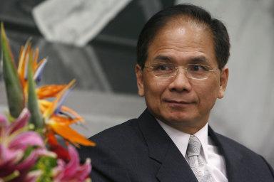 You Si-kun poslal šéfovi Senátu Miloši Vystrčilovi 3.června oficiálně pozvánku knávštěvě Tchaj-wanu.