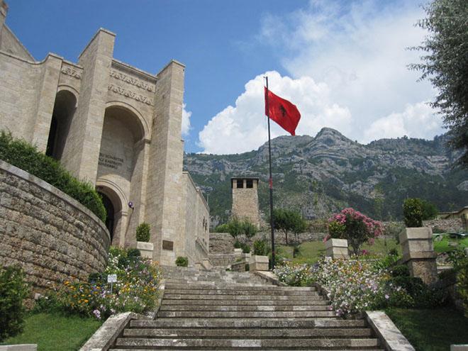 Albánie, cestování, Krujë, Skanderbegovo muzeum