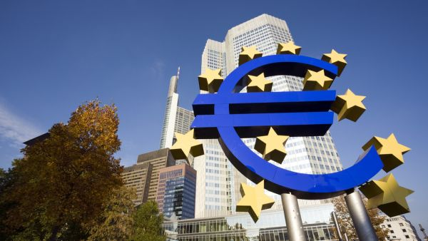 Evropská centrální banka snížila úroky na nulu - Ilustrační foto.