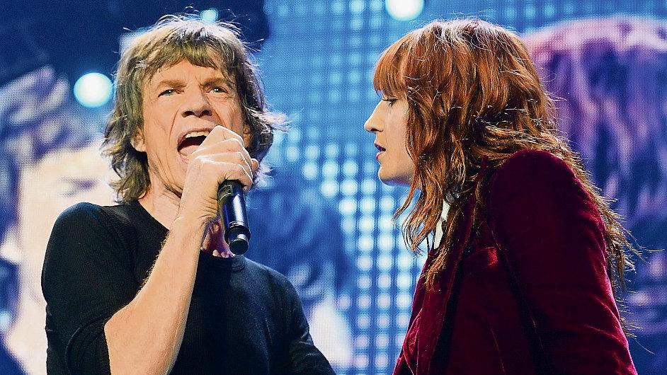 Jedním z hostů čtvrtečního koncertu Rolling Stones v Londýně byla zpěvačka Florence Welchová.