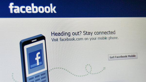 Facebook testuje systém mobilních plateb