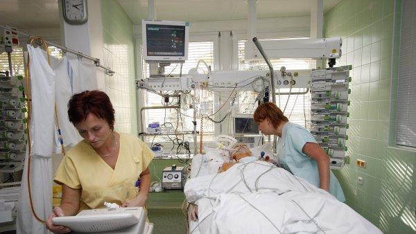 Pacient po operaci, ilustrační foto