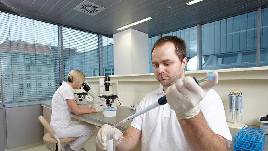 Kellnerova společnost Sotio vyvíjí lék na rakovinu prostaty a vaječníků.